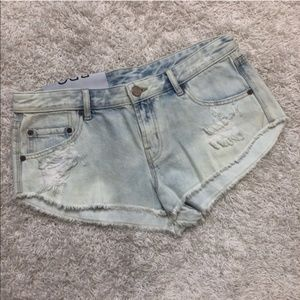 BDG NWT Distressed Light Wash Jean Shorts
